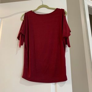 Red cold shoulder top. Worn a few times. Size S